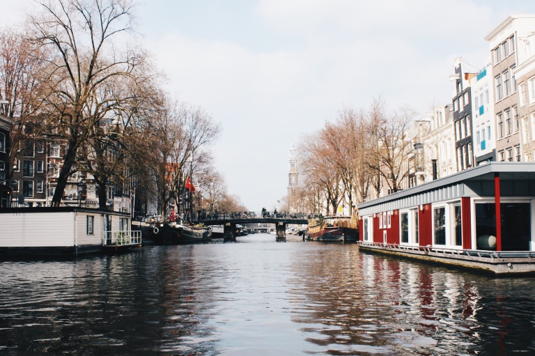 the-nat-channel-natventures-holland-amsterdam-canal-floating-houses.jpg
