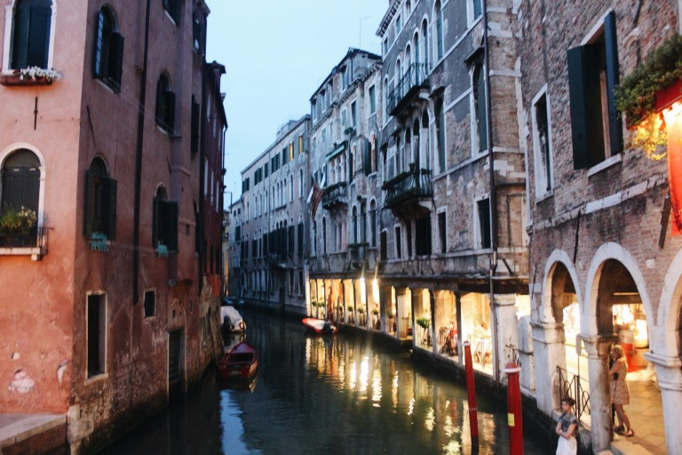 the-nat-channel-natventures-italy-venice-island-night-time-canal