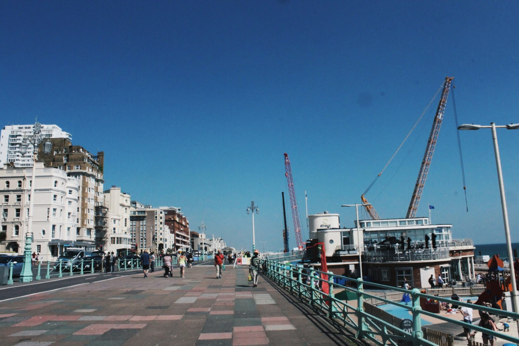 the-nat-channel-england-britain-brighton-beach-walkway-paveway-pedestrian