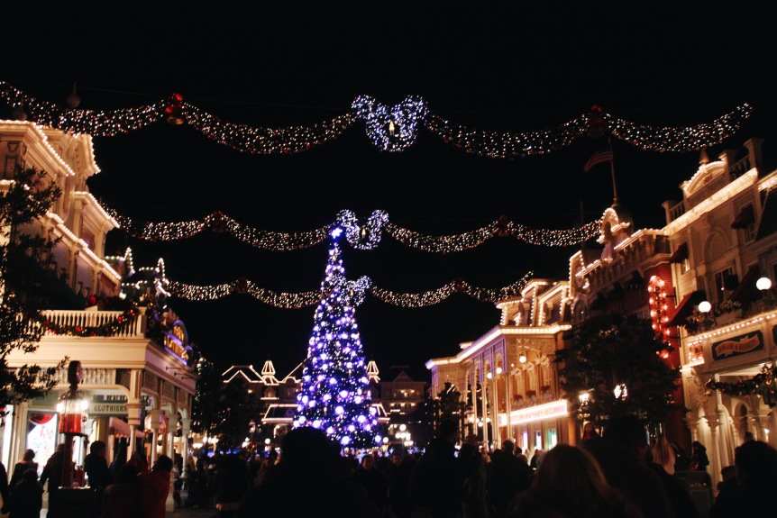 the-nat-channel-france-paris-disneyland-christmas