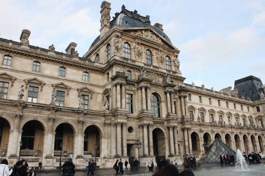 the-nat-channel-france-paris-europe-lourve-museum-side-day