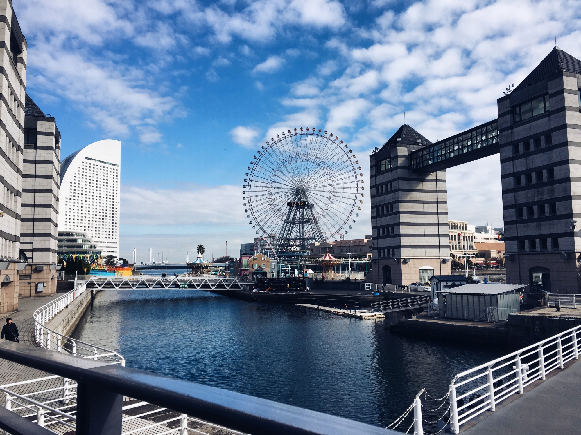 the-nat-channel-japan-yokohama-minato-mirai-ferris-wheel-tower-bridge-blue