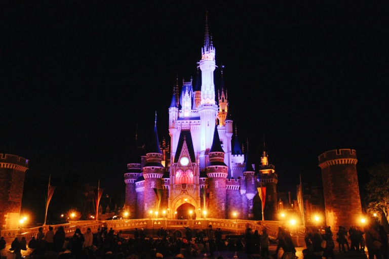 the-nat-channel-japan-tokyo-disneyland-castle-night