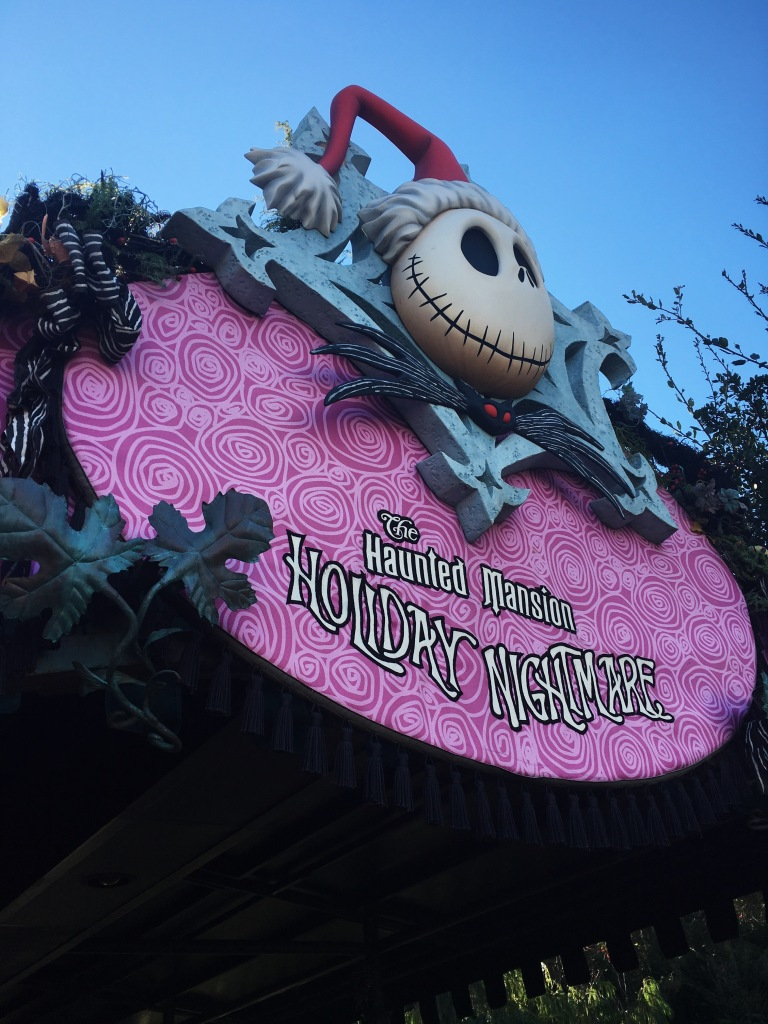 the-nat-channel-japan-tokyo-disneyland-halloween-haunted-mansion
