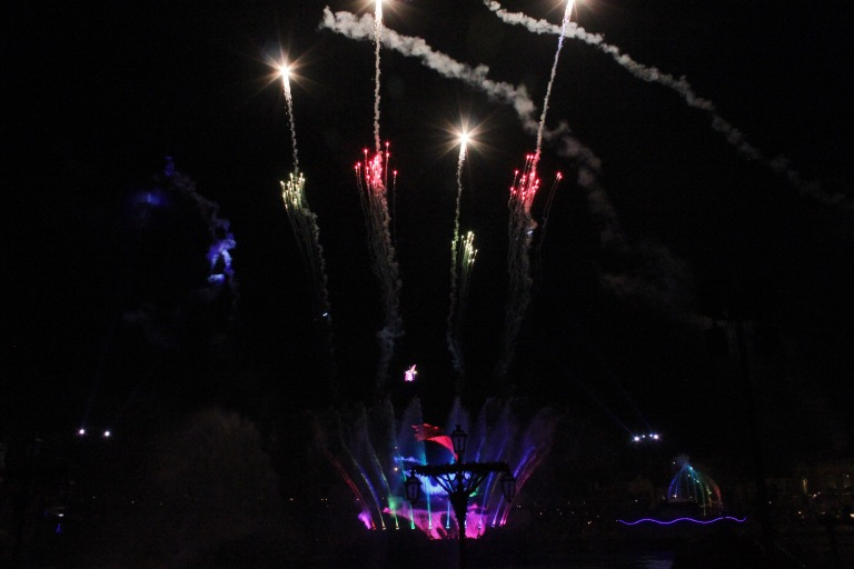the-nat-channel-japan-tokyo-disneysea-maihama-fireworks