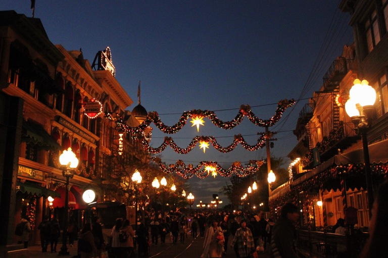 the-nat-channel-japan-tokyo-disneysea-maihama-night