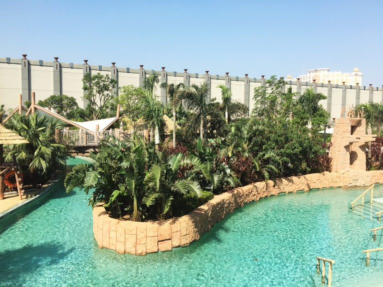the-nat-channel-natventures-macao-studio-city-casino-hotel-cotai-strip-swimming-pool-lazy-river.JPG
