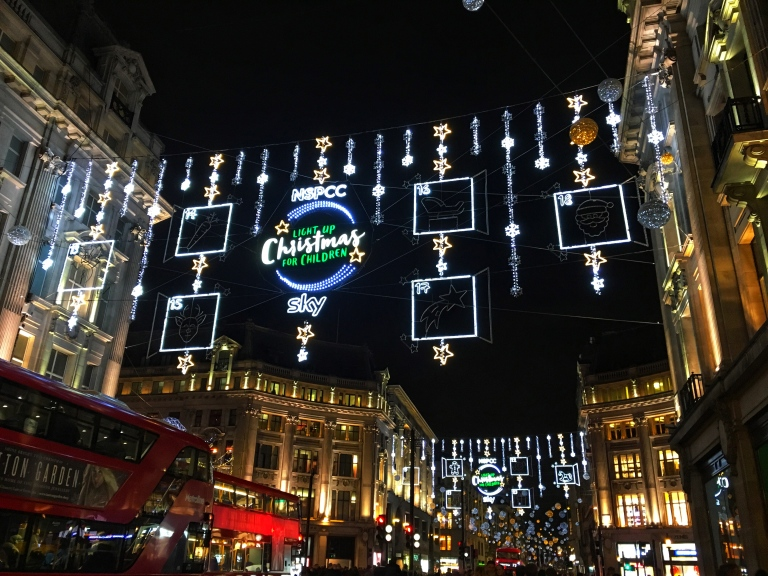 the-nat-channel-natventures-england-london-christmas-night-lights-oxford-street
