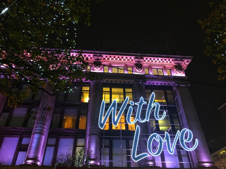 the-nat-channel-natventures-england-london-christmas-night-lights-with-love.jpg