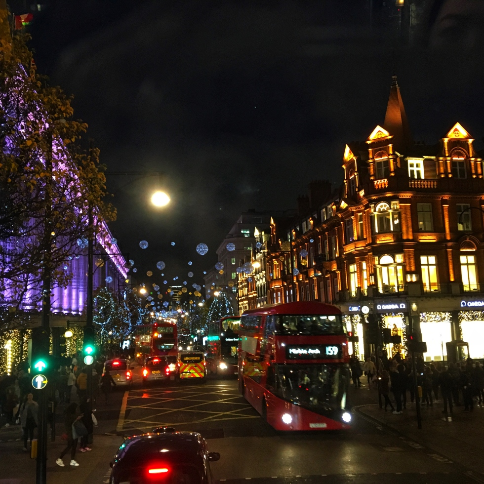 the-nat-channel-natventures-england-london-christmas-night-lights.jpg