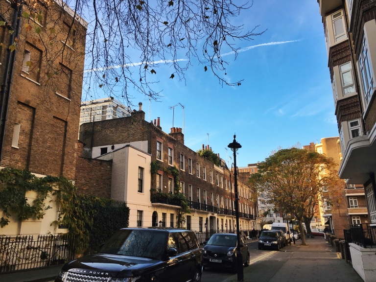the-nat-channel-natventures-england-london-sunny-blue-skies-winter-marble-arch-neighbourhood