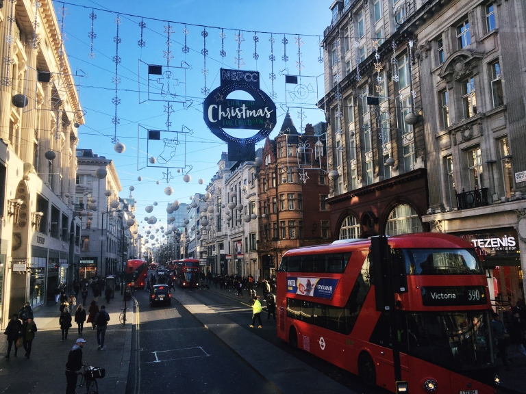 the-nat-channel-natventures-england-london-sunny-oford-street-christmas