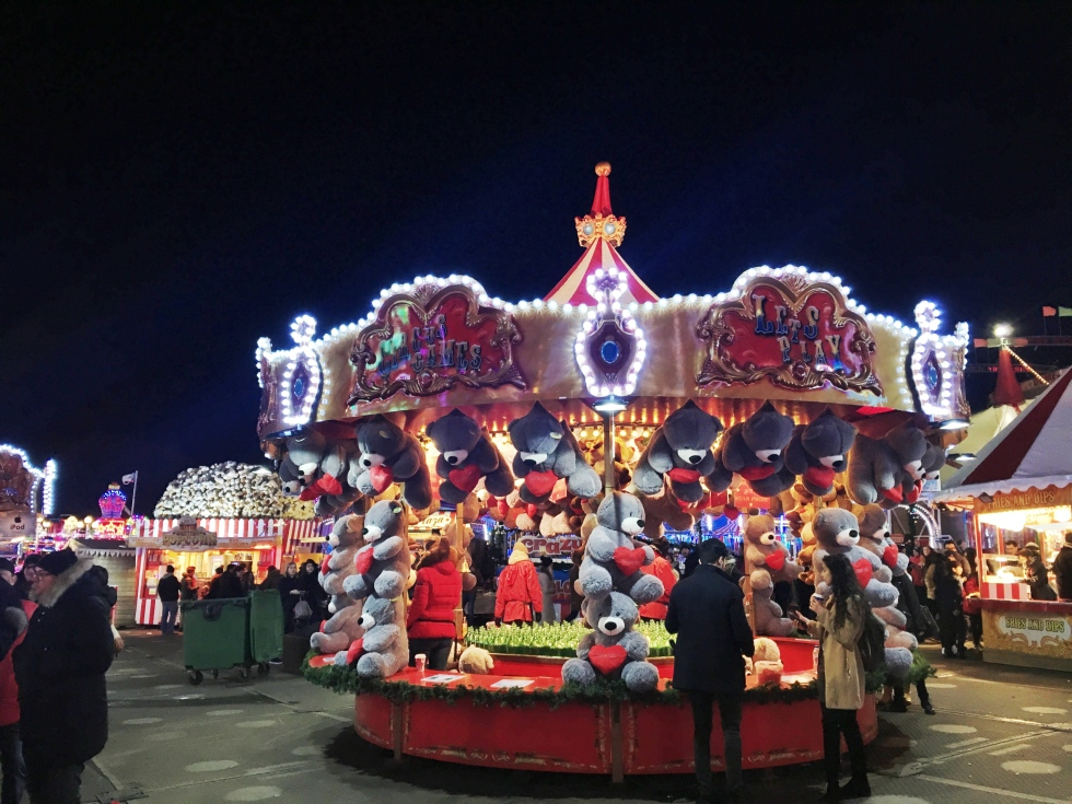 the-nat-channel-natventures-england-london-winter-wonderland-december-circus-town-games