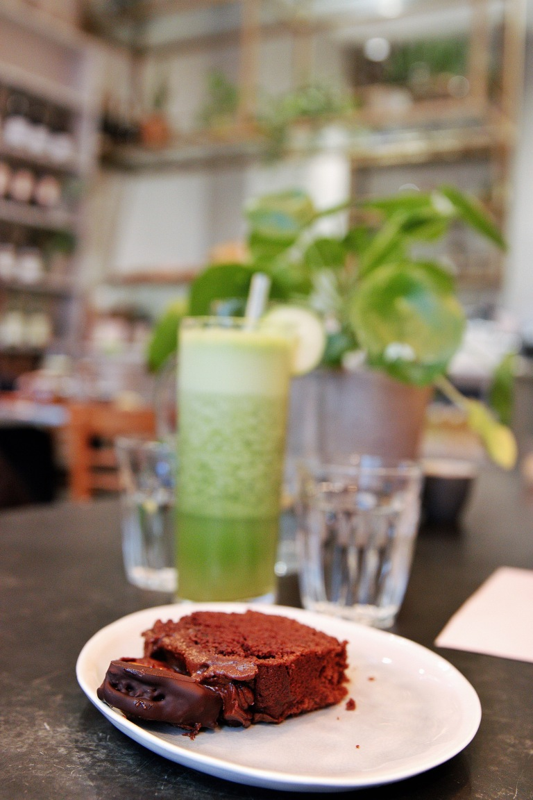 the-nat-channel-natventures-london-dayroom-cafe-notting-hill-chocolate-cake