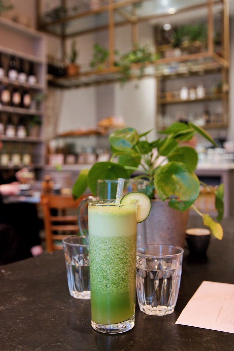 the-nat-channel-natventures-london-dayrooms-cafe-notting-hill-green-juice.JPG
