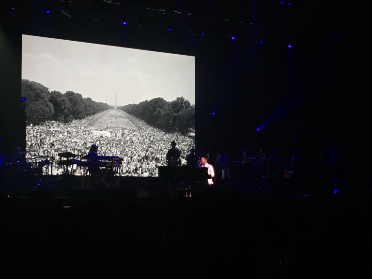 the-nat-channel-concert-malaysia-john-legend-darkness-and-light-tour-2018-genting-arena-of-stars-equality.JPG