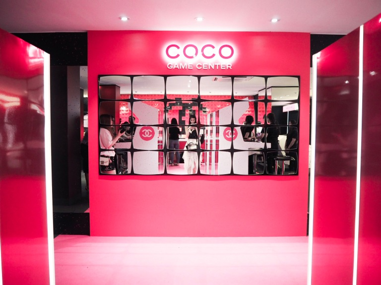 the-nat-channel-coco-game-center-kuala-lumpur-mirrors-selfie-pink