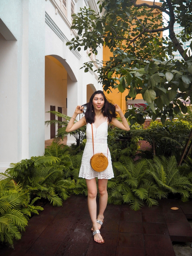 the-nat-channel-summer-white-dress-tropical-vibes-weaven-bag