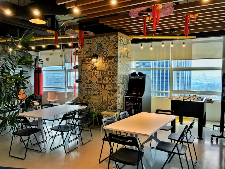 the-nat-channel-google-malaysia-office-axiata-tower-kl-sentral-lounge-area.jpg