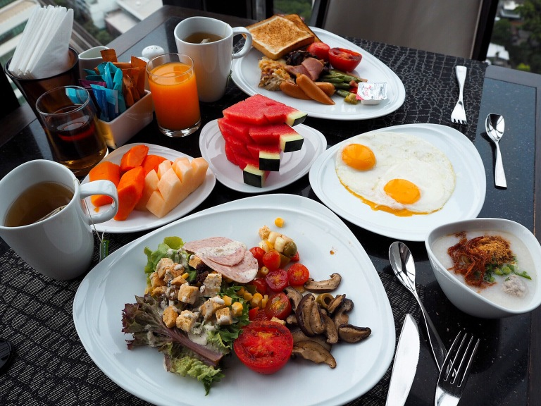 the-nat-channel-natventures-thailand-bangkok-the-continent-hotel-asok-terminal-21-breakfast.JPG