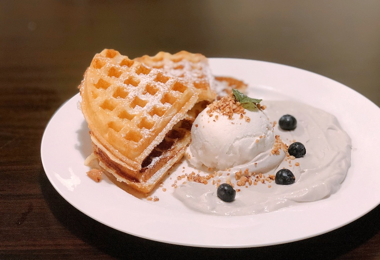 the-nat-channel-tadpole-pottery-art-cafe-subang-jaya-ss15-dessert-yammy-tammy-waffles.jpg