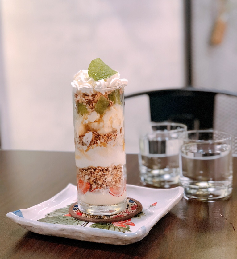 the-nat-channel-tadpole-pottery-studio-cafe-subang-jaya-ss15-desserts-parfait-dat-rainbow-doe.jpg