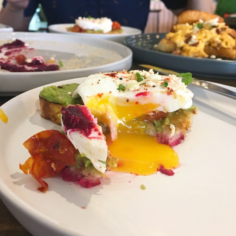 the-nat-channel-urban-daybreak-bangsar-kl-cafe-brunch-smash-avocado-toast