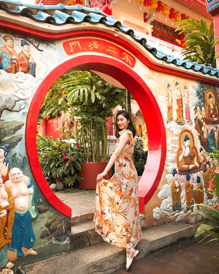 the-nat-channel-natventures-malaysia-penang-kek-lok-si-temple-circular-entrance.JPG