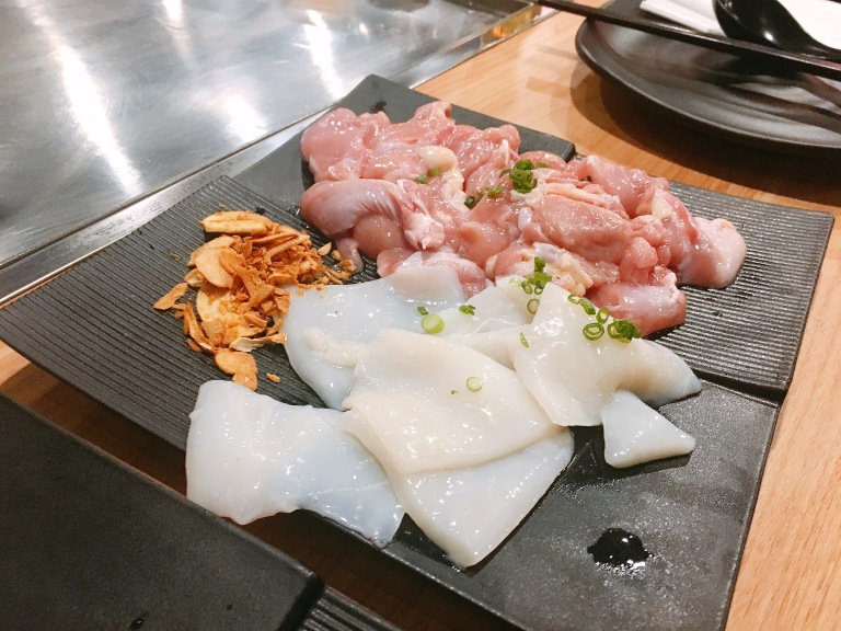 the-nat-channel-kuro-teppanyaki-subang-jaya-diy-cuttlefish-chicken-slice.JPG