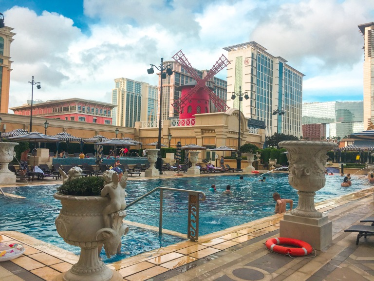 the-nat-channel-macau-parisian-hotel-cotai-strip-swimming-pool.JPG