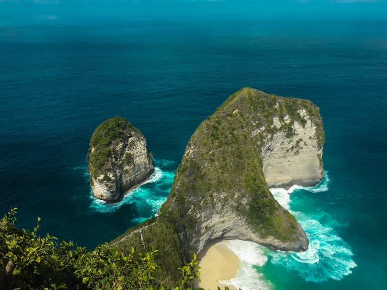 the-nat-channel-natventures-indonesia-bali-nusa-penida-kelingking-beach.jpg