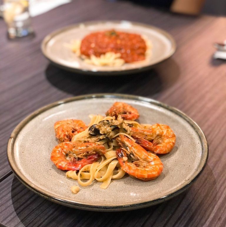the-nat-channel-kara-kota-daansara-casual-french-dining-linguine-tiger-prawns