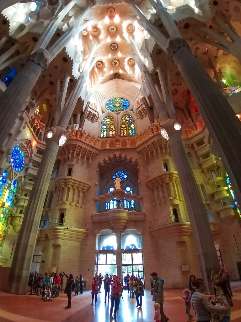 the-nat-channel-natventures-spain-barcelona-la-sagrada-familia -church-interior.JPG