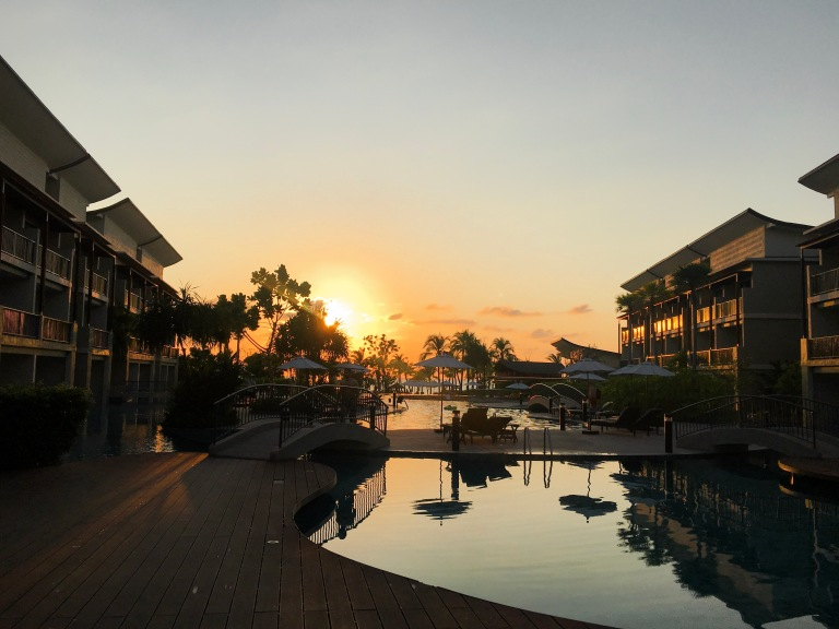 the-nat-channel-natventures-thailand-khao-lak-le-meridien-resort-sunset.JPG