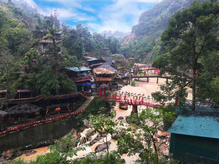 the-nat-channel-natventures-vietnam-sapa-cat-cat-village-water.JPG