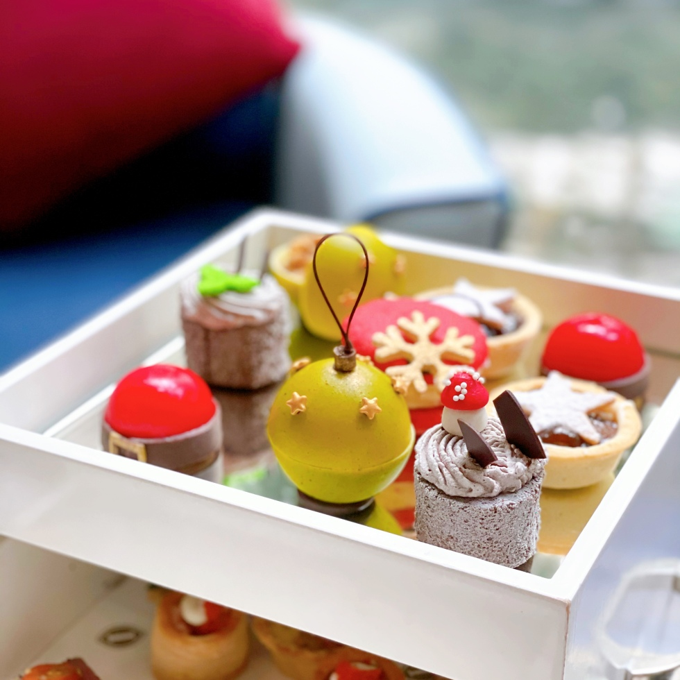 the-nat-channel-intercontinental-hotel-afternoon-tea-christmas-theme-2020-sweets.JPG