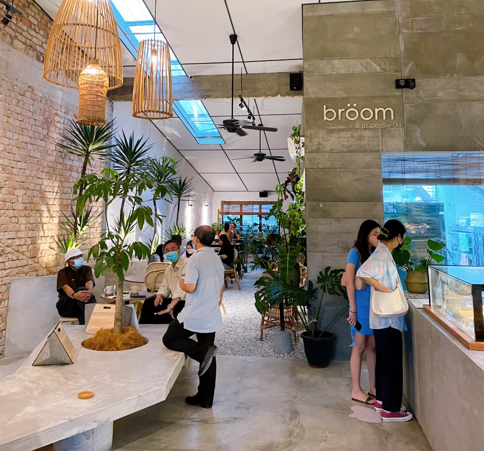 the-nat-channel-broom-pj-taman-paramount-cafe